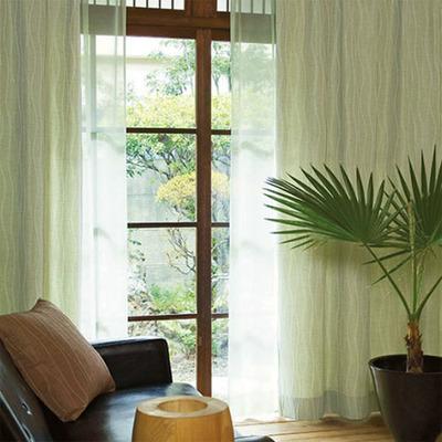 自然をイメージするカーテン