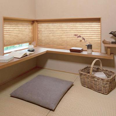 美しい日本の自然を描写した窓辺